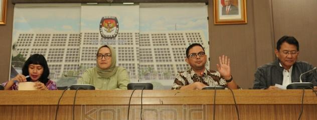 Komisioner KPU tengah memberi keterangan pers/dok humas kpu ri